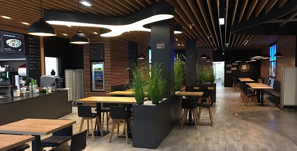 mömax Restaurant Sitzmöglichkeiten