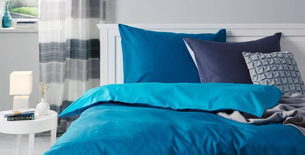 Zweifarbige Bettwäsche in Petrol und Türkis von mömax.