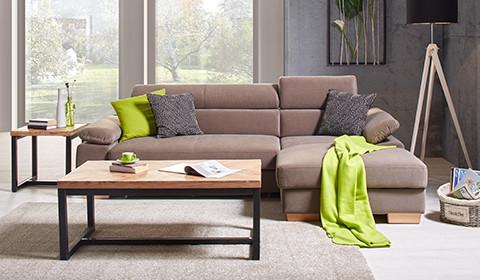 Trendistes Dreisitzer-Sofa in Braun mit Nackenstütze von mömax.