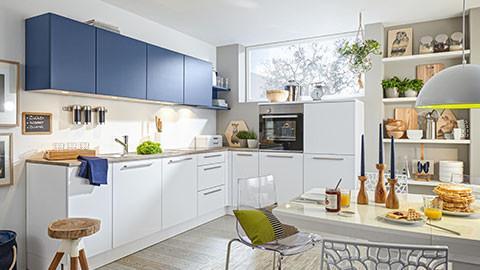 einbauküche weiss blau