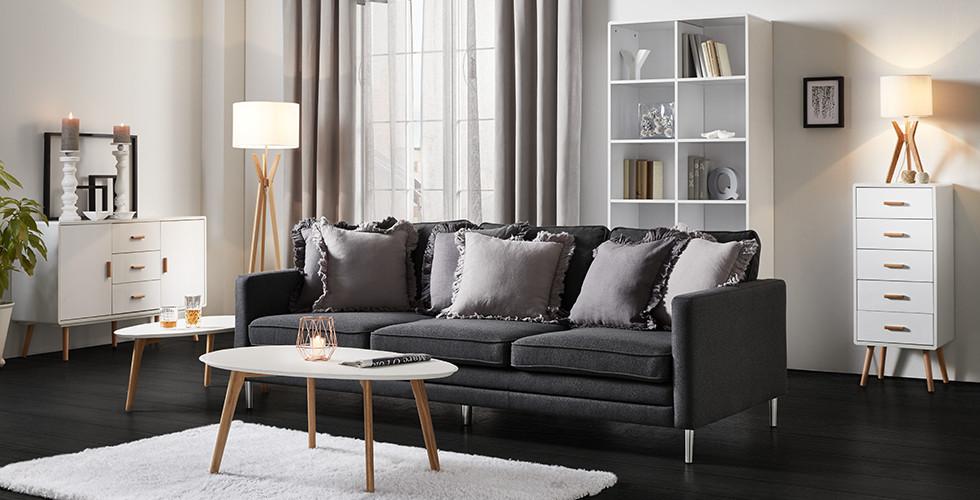 komplettes wohnzimmer cheap khles gerumiges komplettes. Black Bedroom Furniture Sets. Home Design Ideas