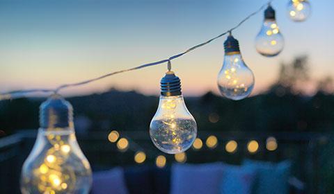 Lichterketten für den gemütlichen Abend im Freien, günstig kaufen bei mömax.