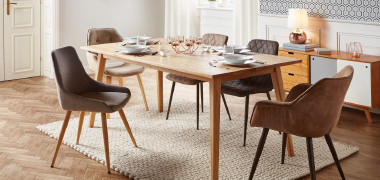 Esstisch aus Holz mit 5 Stühlen