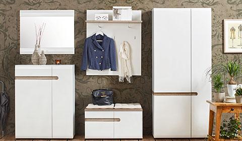 Garderobenpaneele in Weiß Elementen in Eichenfarben von mömax.