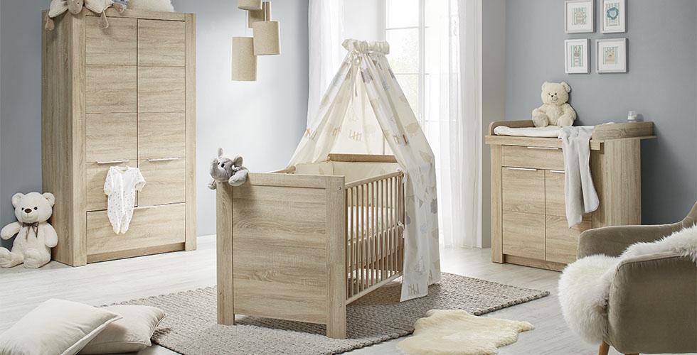 Das Babymöbelset U201eCarlottau201c In Eiche, Mit Babybett, Wickelkommode Und  Babyschrank Von Mömax