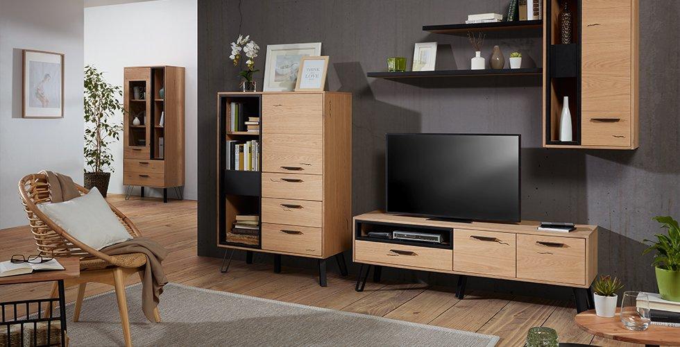 Wohnzimmer-Serie Astana in Eichenfarben aus dem mömax Onlineshop.