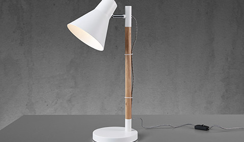 Schlichte Nachttischlampe in Holz und Weiß von mömax.