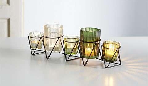 Windlichter aus Glas in verschiedenen Farben von mömax.