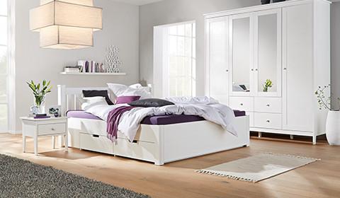 Klassisches, Weißes Bett mit Bettkasten von mömax.
