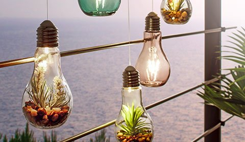 Romantische Dekoleuchte mit sparsamen LEDs günstig kaufen von mömax.