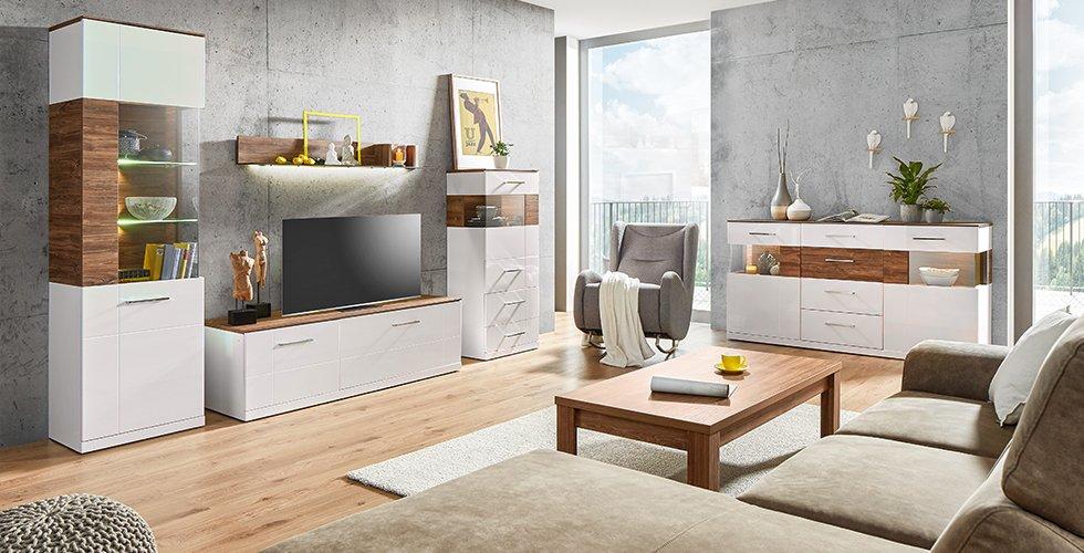 Dezente Wohnserie in Weiß mit rustikaler Holzmaserung günstig kaufen bei mömax.