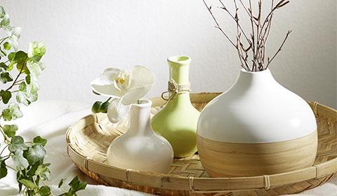 Dekorative Vase aus Bambus und in Weiß von mömax.