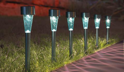 Solarleuchte aus Edelstahl und Kunststoff zum Einstecken in die Erde von mömax.