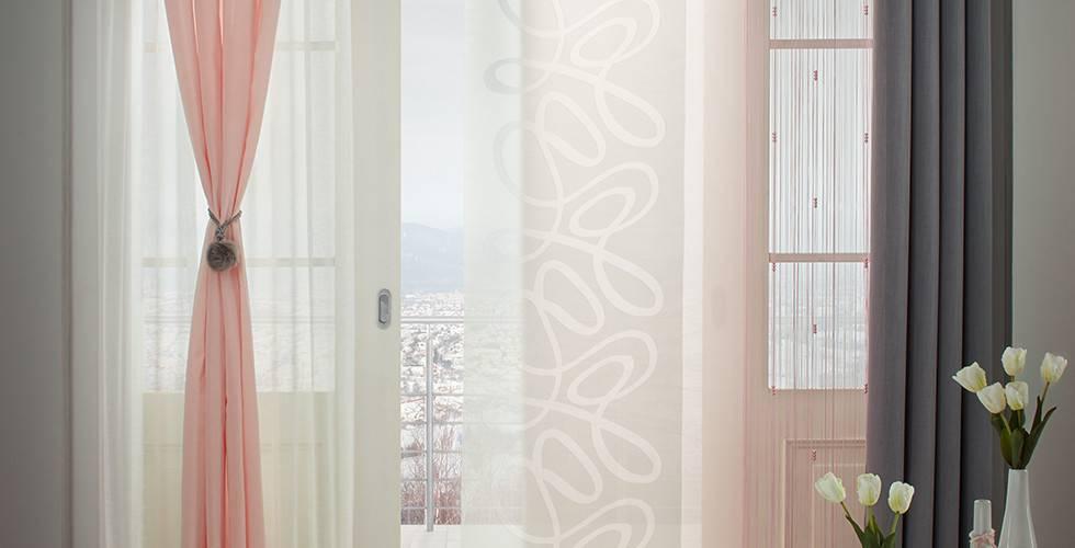 Transparente Vorhänge in Grau, Grün, Rosa und Weiß von mömax.