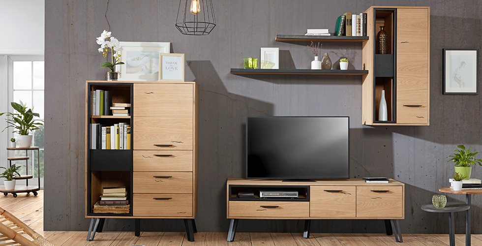Stylische Wohnwand aus Eiche günstig kaufen bei mömax.
