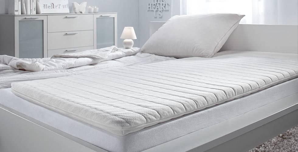 Schlafzimmer-Betten-Topper-Viscoschaumkern-moemax