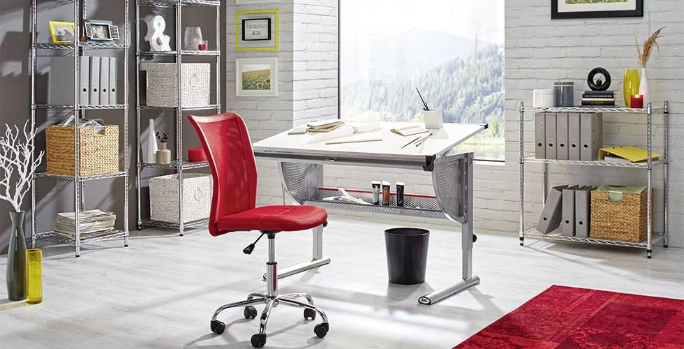 Schreibtisch mit verstellbarer Höhe und Neigung von mömax.