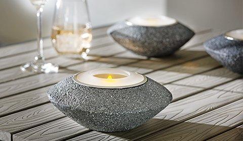 Praktische Solarleuchte für romantische Lichtstimmung für laue Sommerabende.