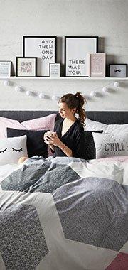 Kuscheliges Tee trinken im Bett macht mit mömax am meisten Spaß!
