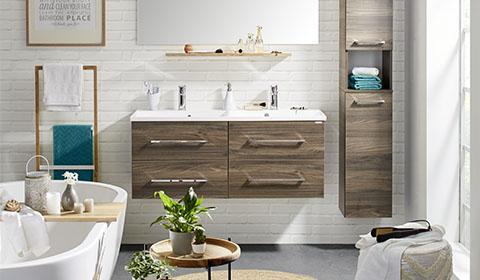 Badezimmer Serie Aus Holznachbildung In Walnuss Mit Passendem Badspiegel  Von Mömax.