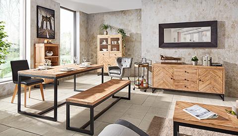 Tisch und Sitzbank aus Akazienholz mit schwarzen Beinen von mömax.
