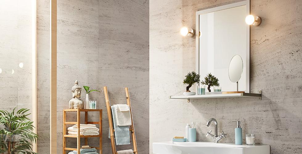 Moderne Wandleuchte in Edelstahl für das Badezimmer bei mömax.