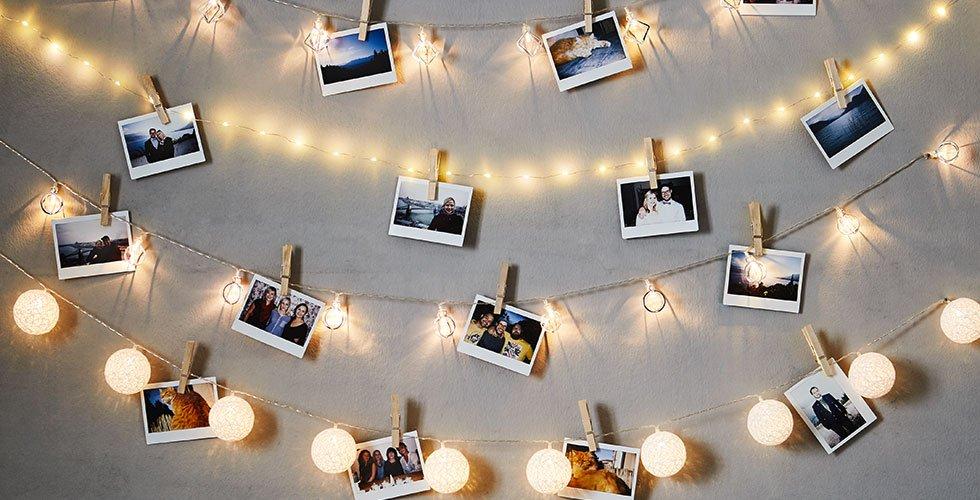 Mit den LED-Lichterketten von mömax bringt man jede Wand zum leuchten.