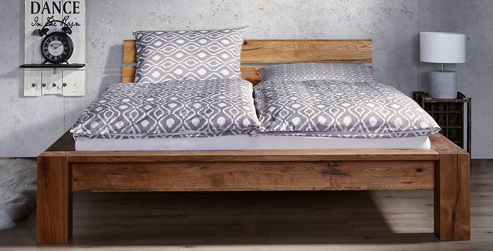 Moderne Betten mit Springbox oder Bettrahmen | Halbhohe Betten mömax
