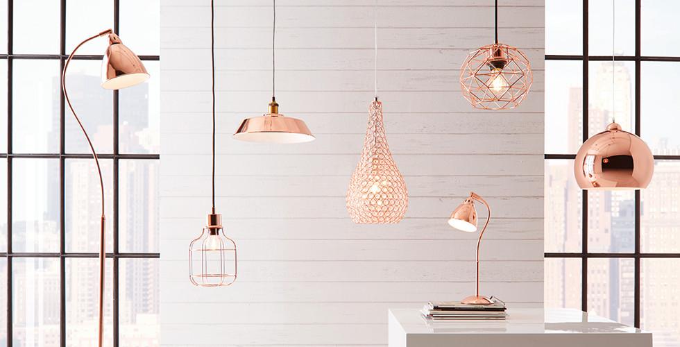 Stehlampe, Hängeleuchte, Leselampe, ein Set in Rosé und rosa.