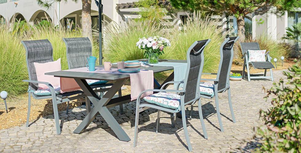 kerti asztal székekkel mőmax