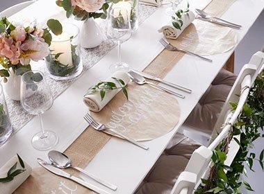 Tischgedeck bei mömax
