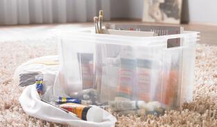 Plastične škatle s pokrovom