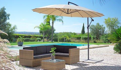 Große Auswahl an Sonnenschirmen in verschiedenen Farben und Größen günstig kaufen bei mömax.