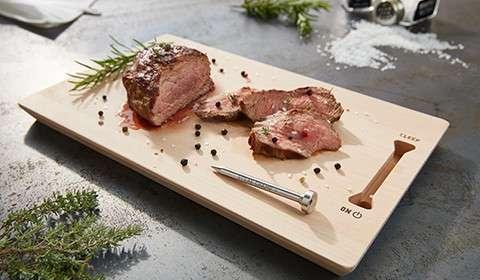 Fleisch-Thermometer inklusive Echtholz-Steakbrett aus Buche von mömax.