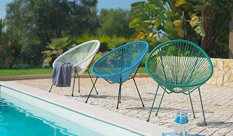 Gartenstühle mit gemütlichen Kunststoffgeflecht in verschiedenen Farben von mömax.