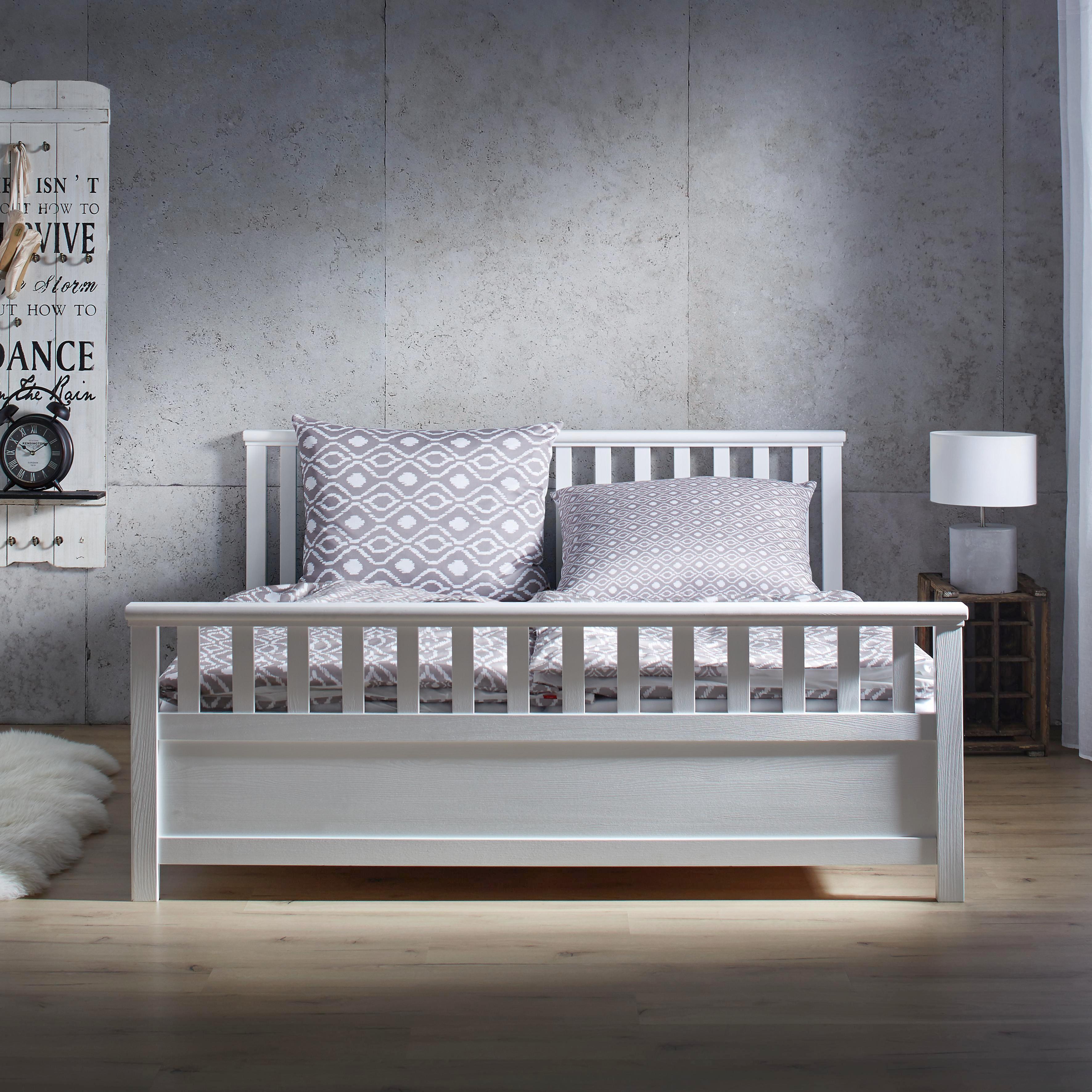 Holzbett modern  Holzbett Pina 180x200cm online kaufen ➤ mömax