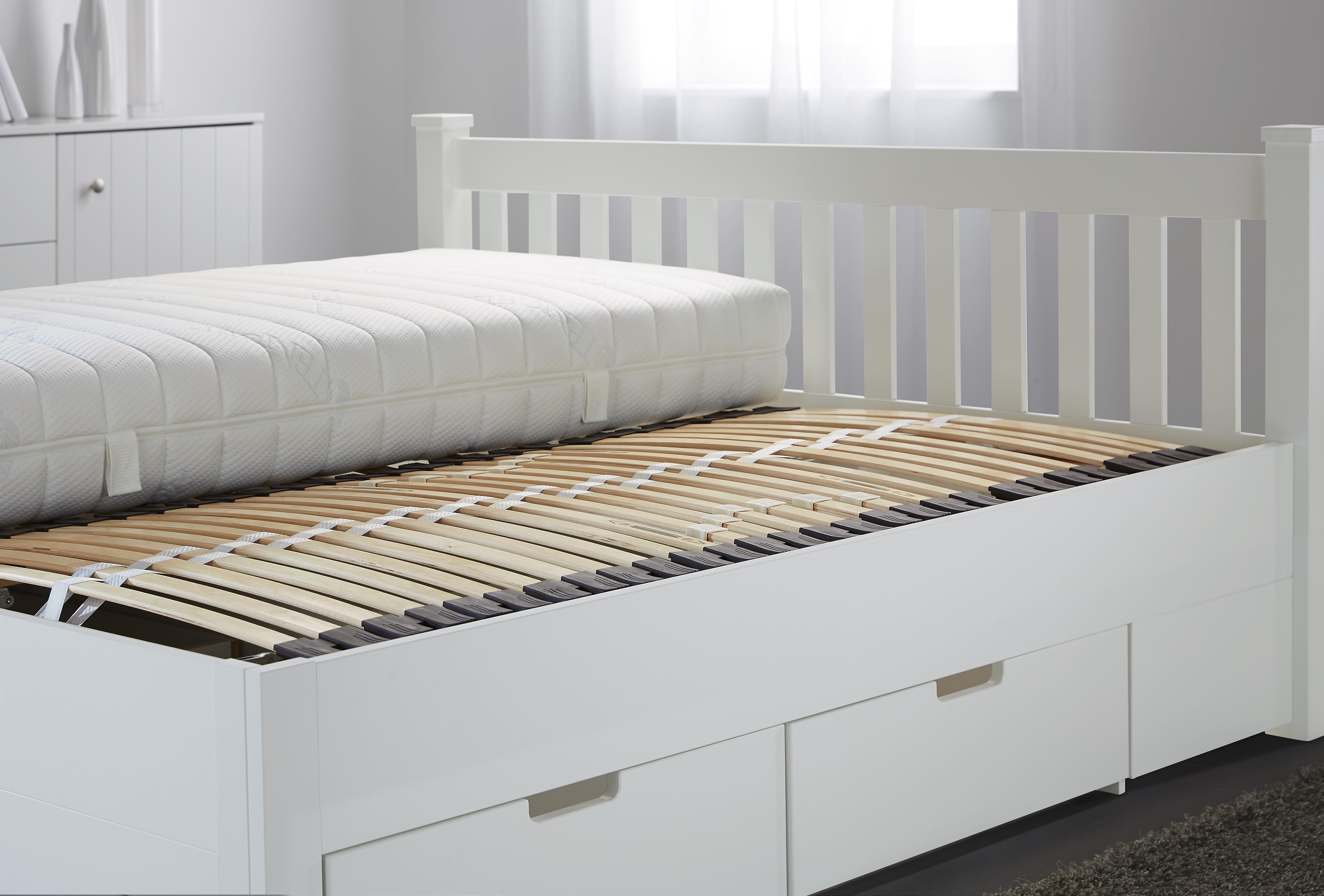 lattenroste 200x140 kopfkissen baumwolle f llung betten lattenroste biber bettw sche 200x200. Black Bedroom Furniture Sets. Home Design Ideas
