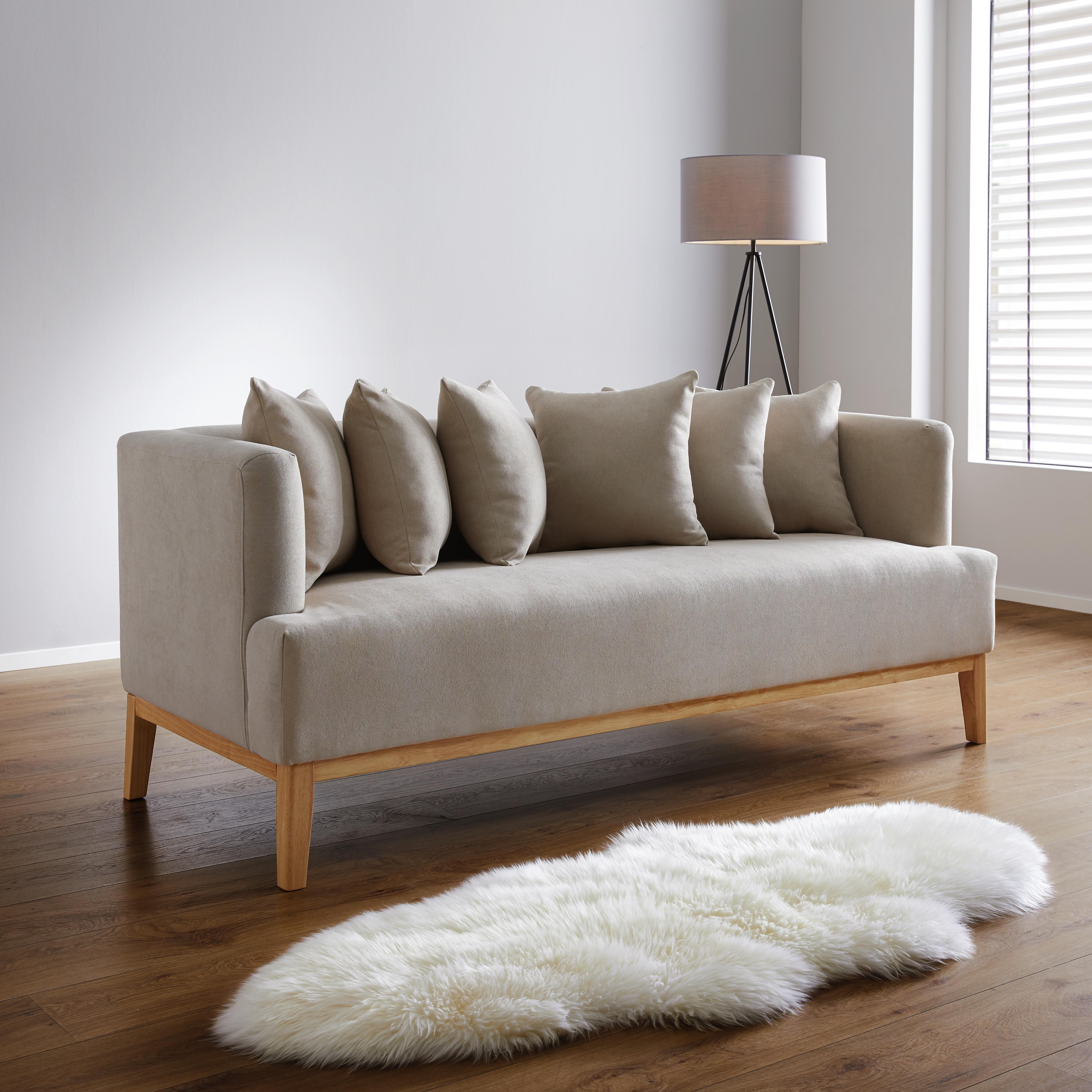 Zartes Beige Mit Holzmöbeln: Sofa In Beige Online Bestellen