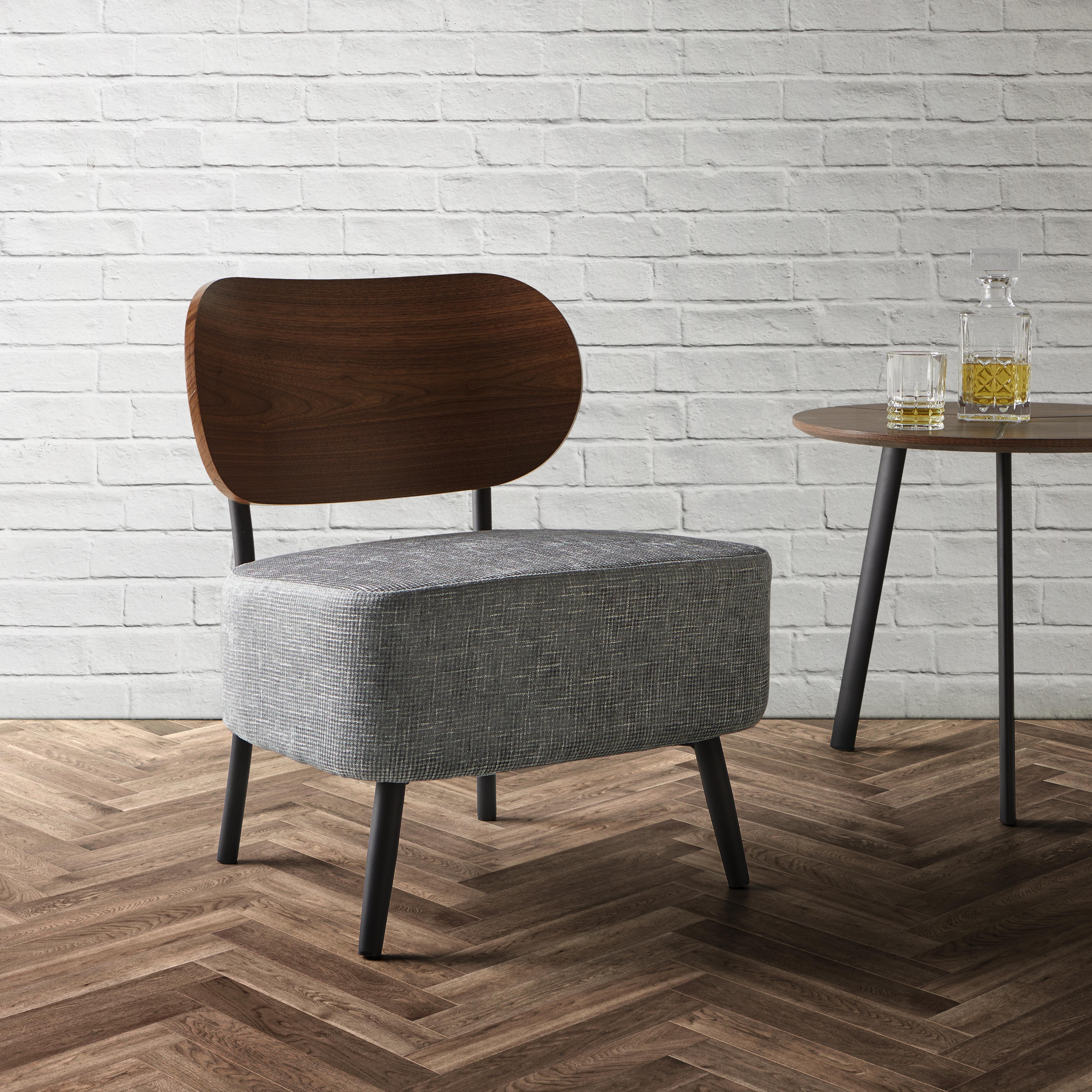sessel in grau und walnussfarbe online bestellen. Black Bedroom Furniture Sets. Home Design Ideas